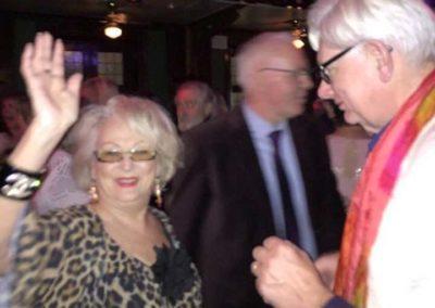 Ulla Ganslandt och Thomas Berglund träder dansen